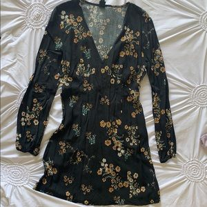 Black flower print long sleeve dress